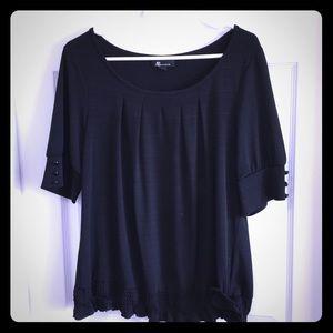 Silky short sleeve shirt.